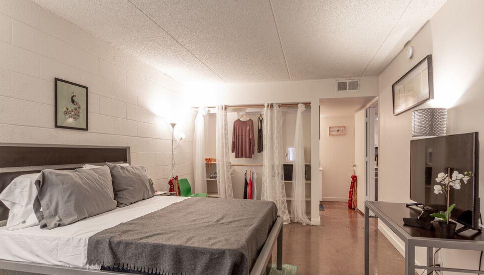 The-Mark-Tempe-AZ-Bedroom-Unilodgers