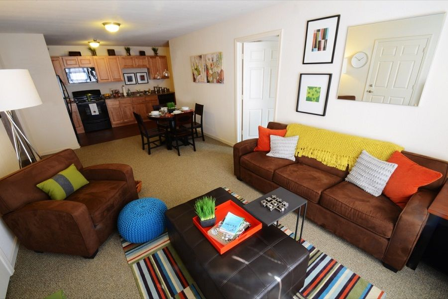 The-Reserve-Orono-ME-Living-Room-Unilodgers