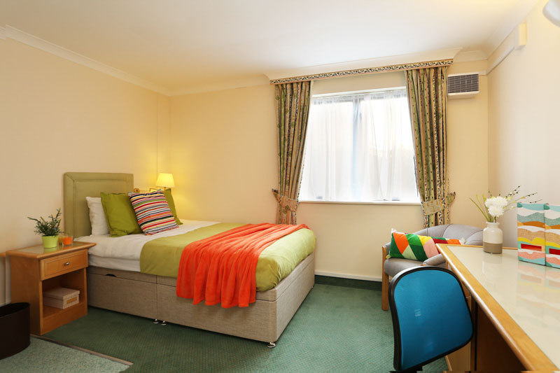 Alexandra-House-High-Wycombe-Bedroom-2-Unilodgers