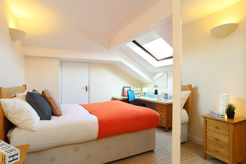 Alexandra-House-High-Wycombe-Bedroom-4-Unilodgers