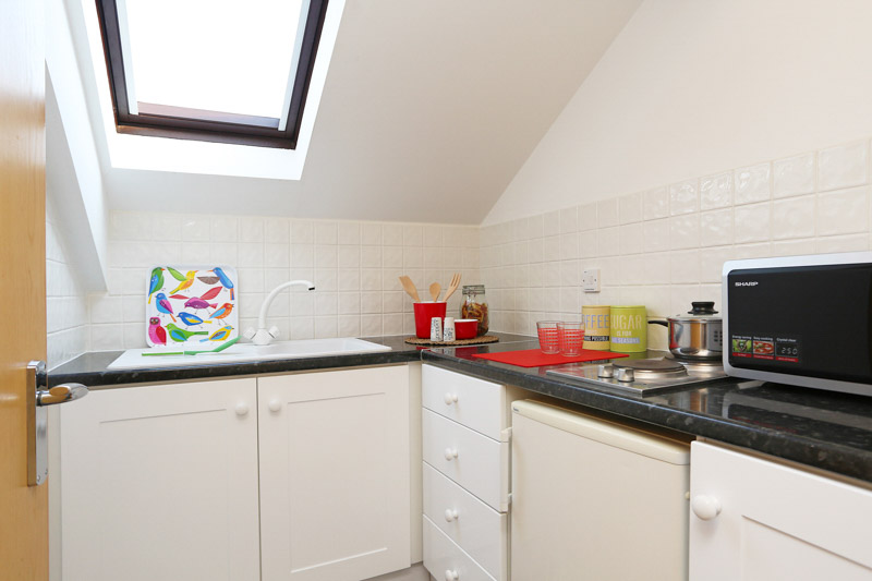 Alexandra-House-High-Wycombe-Kitchen-Unilodgers