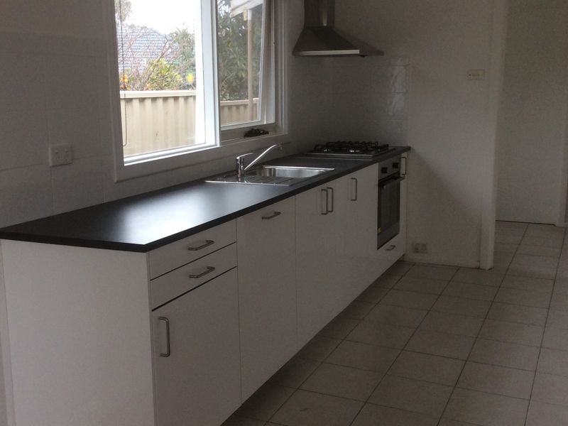 1-Dorothy-Court-Clayton-South-Student-Accommodation-Melbourne-Kitchen-Unilodgers