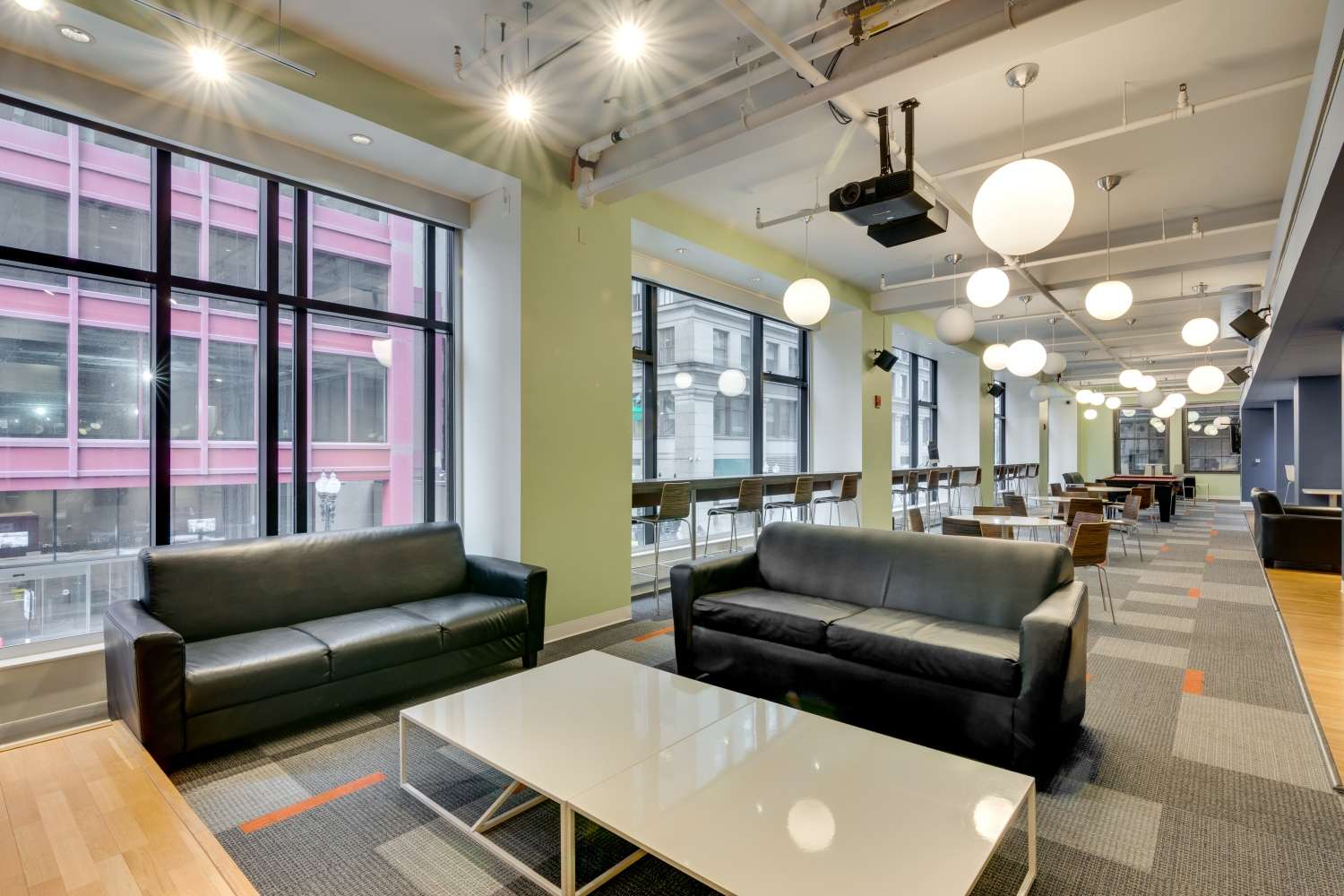 The-Bunkingham-Chicago-Apartments-Chicago-IL-Common-Space-2-Unilodgers