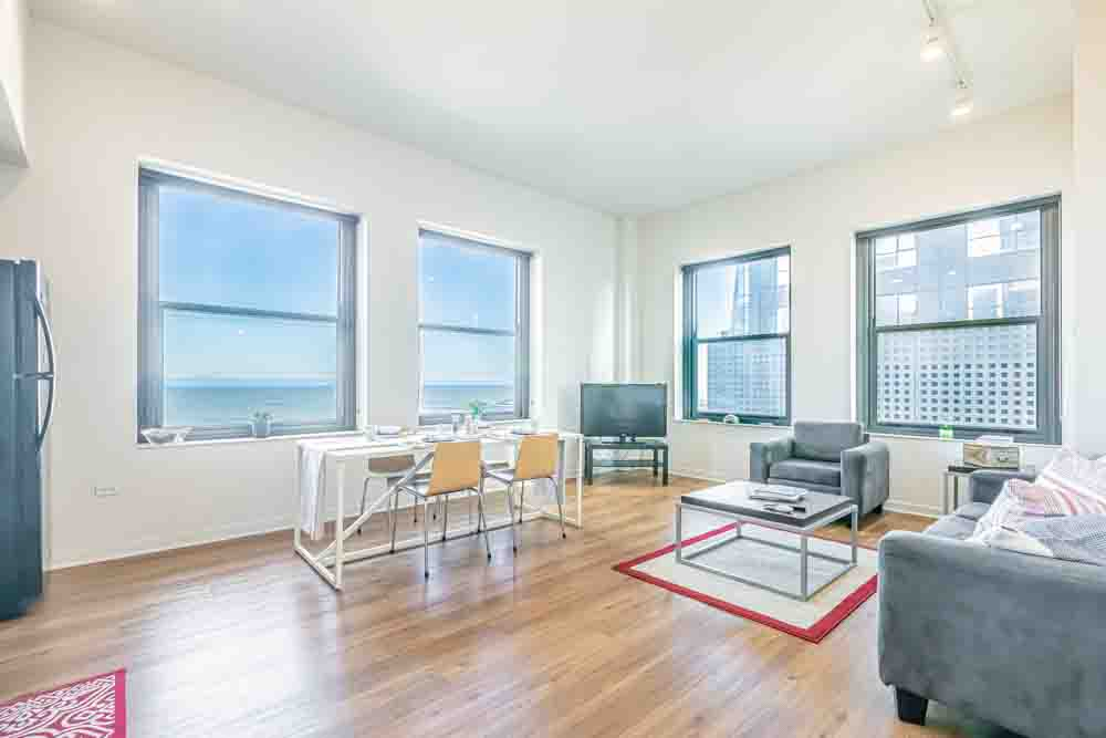 The-Bunkingham-Chicago-Apartments-Chicago-IL-Living-Room-Unilodgers