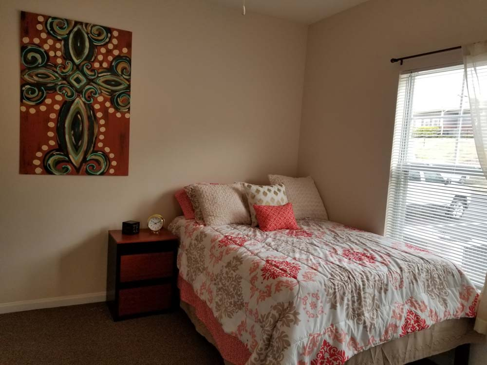 21-Apartments-Starkville-MS-Bedroom-2-Unilodgers