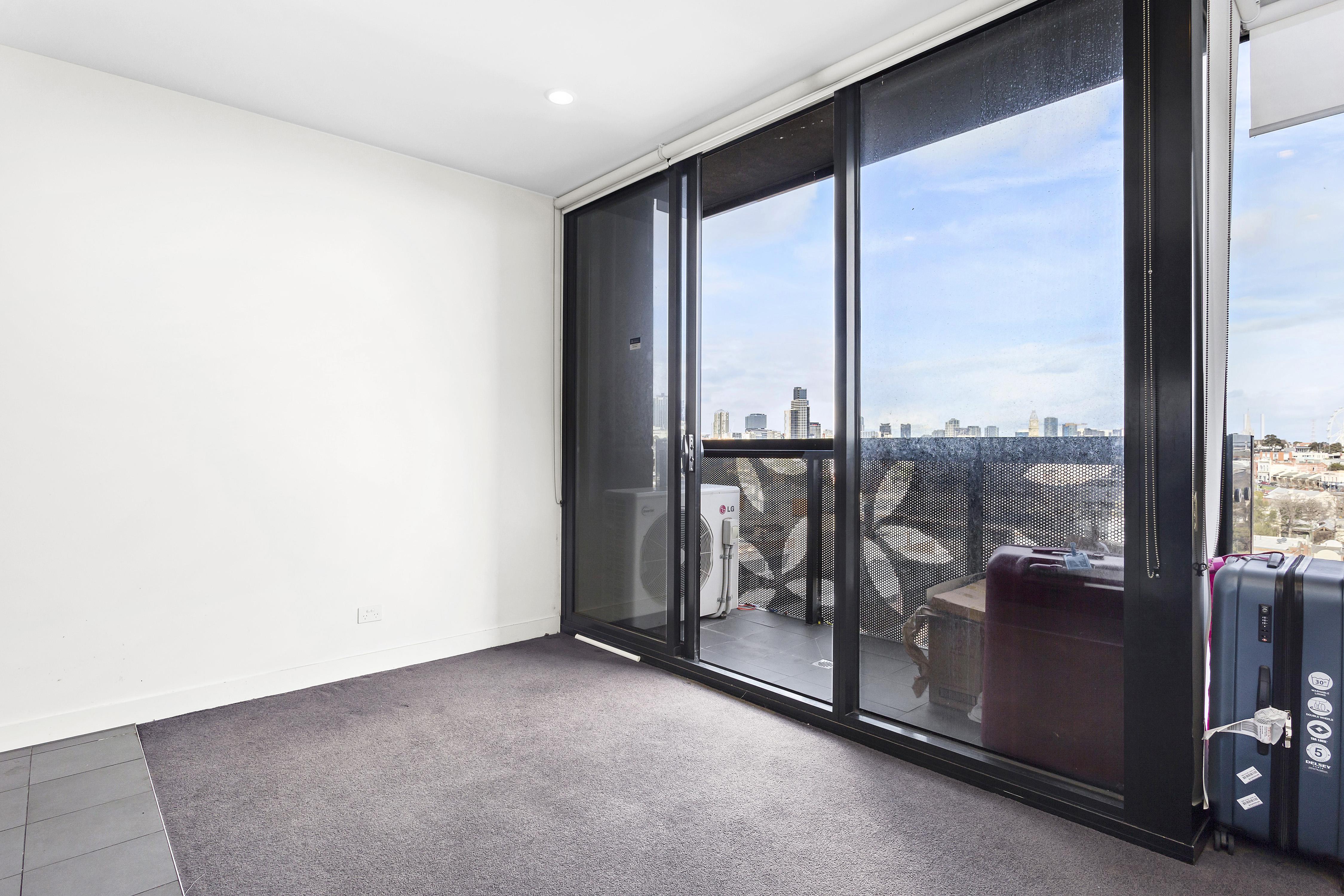 108-97-flemington-road-north-melbourne-student-accommodation-Melbourne-Bedroom-1-Unilodgers