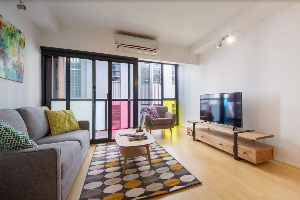 602-18-russell-place-melbourne-student-accommodation-Melbourne-Living-Area-2-Unilodgers