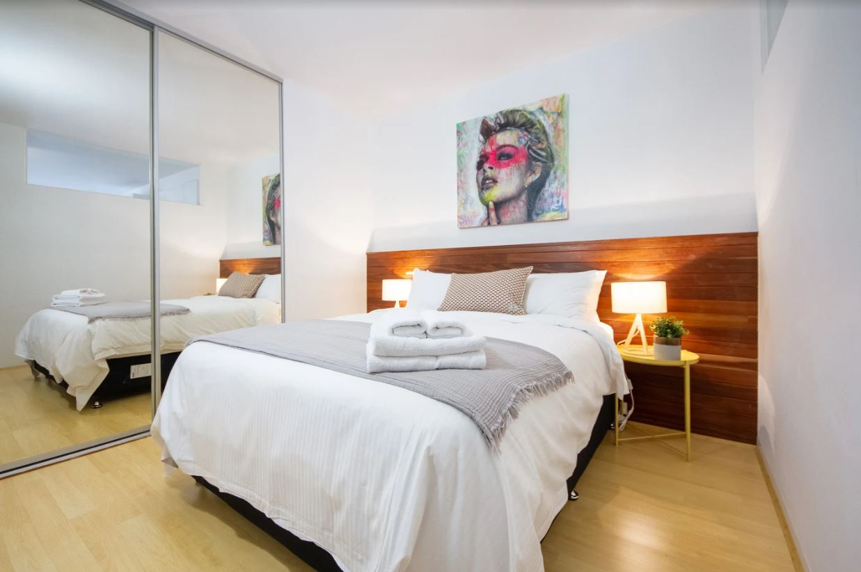 602-18-russell-place-melbourne-student-accommodation-Melbourne-Bedroom-Unilodgers