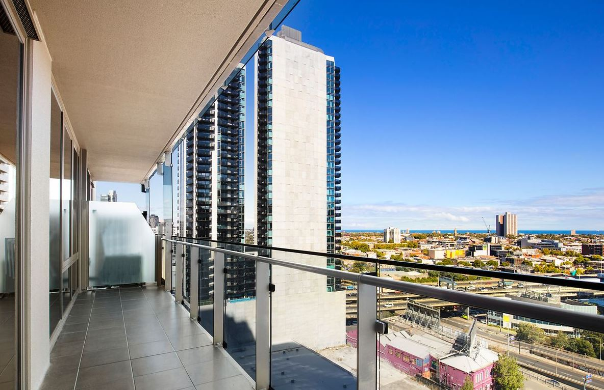 1605-118-kavanagh-street-southbank-student-accommodation-Melbourne-Bacony-Unilodgers