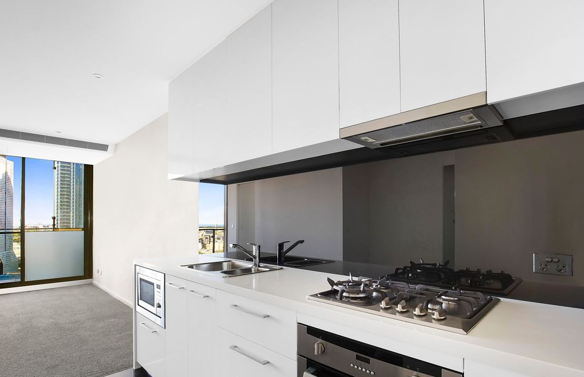 1605-118-kavanagh-street-southbank-student-accommodation-Melbourne-Kitchen-Unilodgers