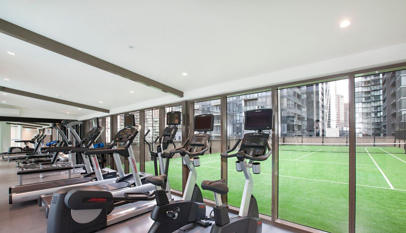1605-118-kavanagh-street-southbank-student-accommodation-Melbourne-Gym-Unilodgers
