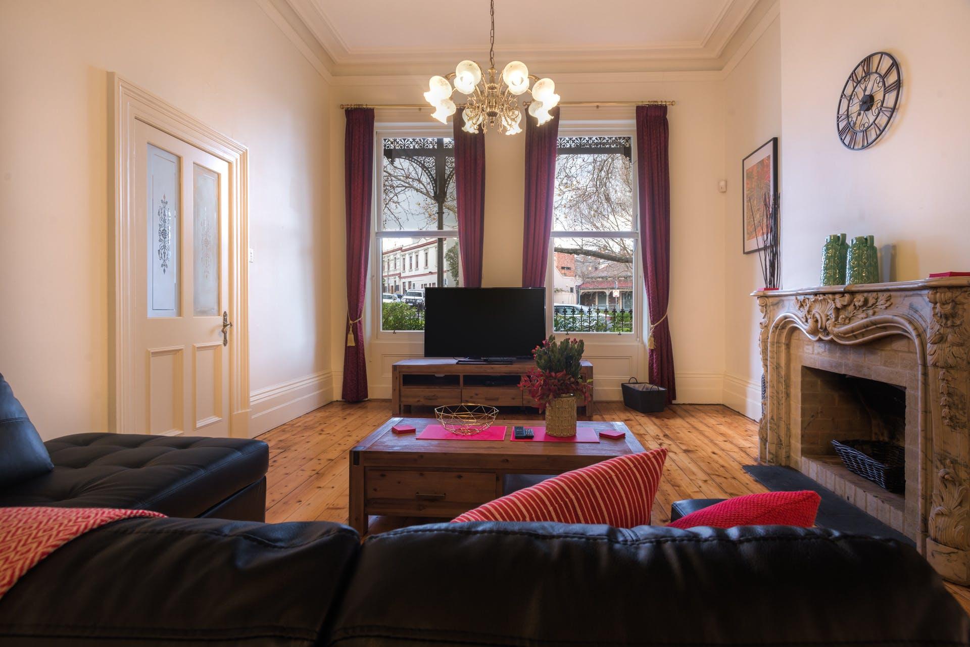 601-king-street-west-melbourne-student-accommodation-Melbourne-Living-Area-Unilodgers