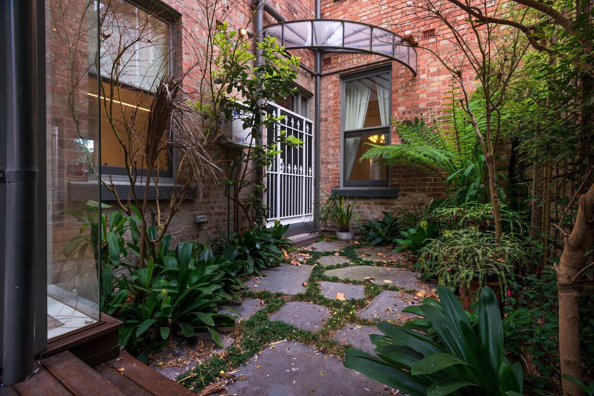 601-king-street-west-melbourne-student-accommodation-Melbourne-Outdoor-Unilodgers