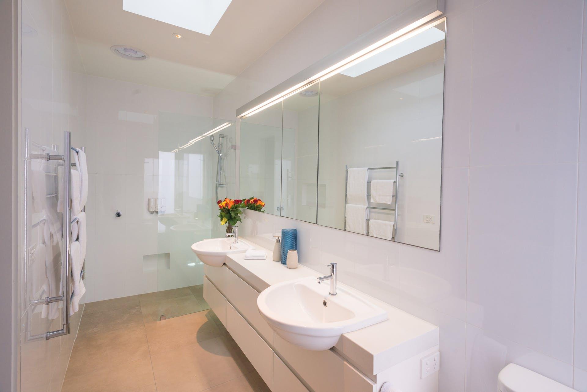 601-king-street-west-melbourne-student-accommodation-Melbourne-Bathroom-Unilodgers