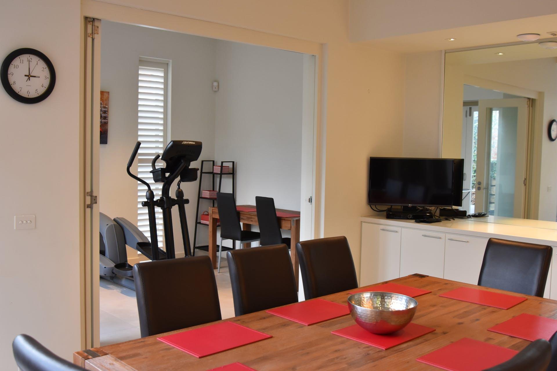 601-king-street-west-melbourne-student-accommodation-Melbourne-Living-Area-2-Unilodgers