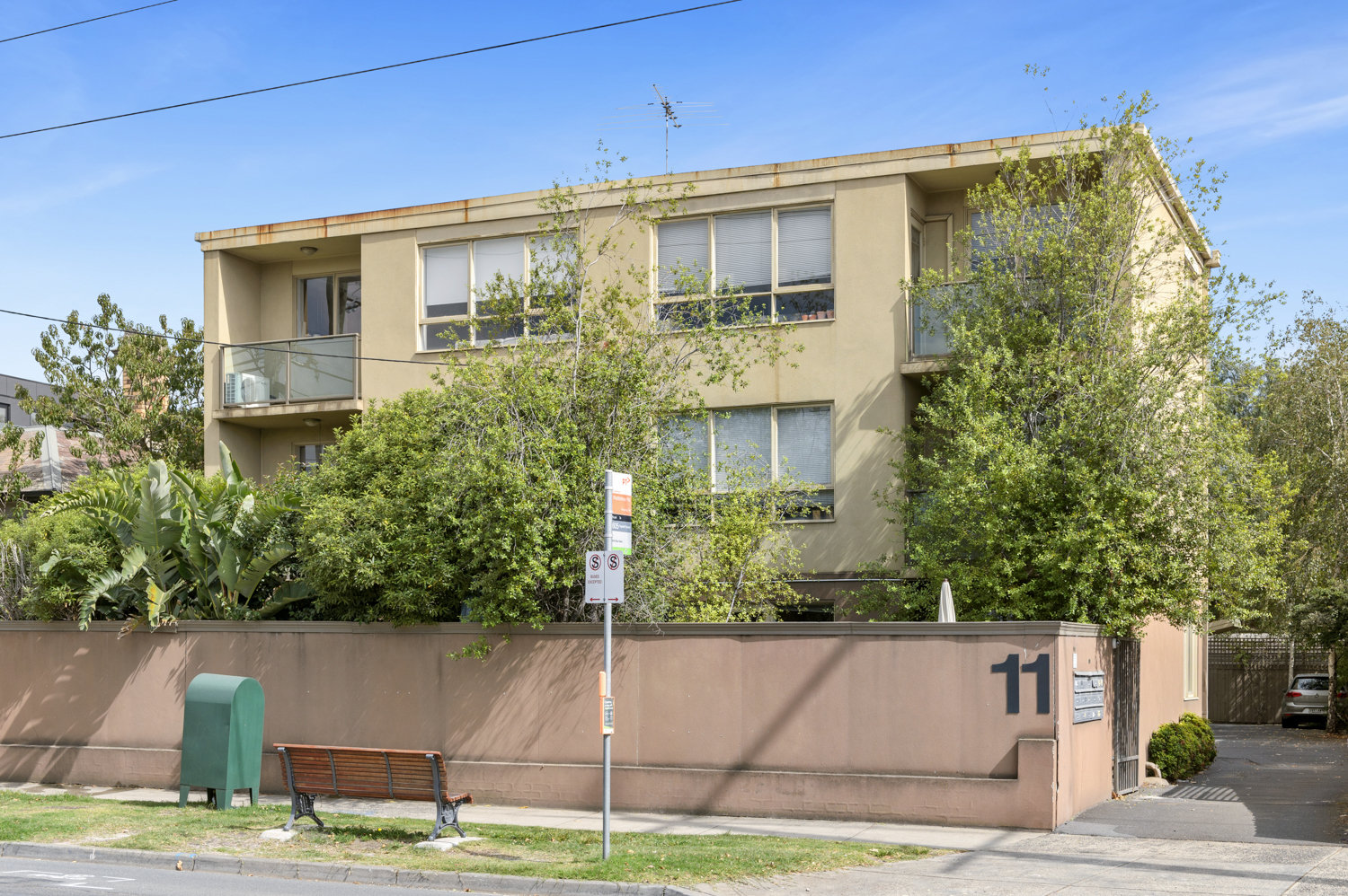 12-11-kooyong-road-armadale-student-accommodation-Melbourne-Exterior-Unilodgers