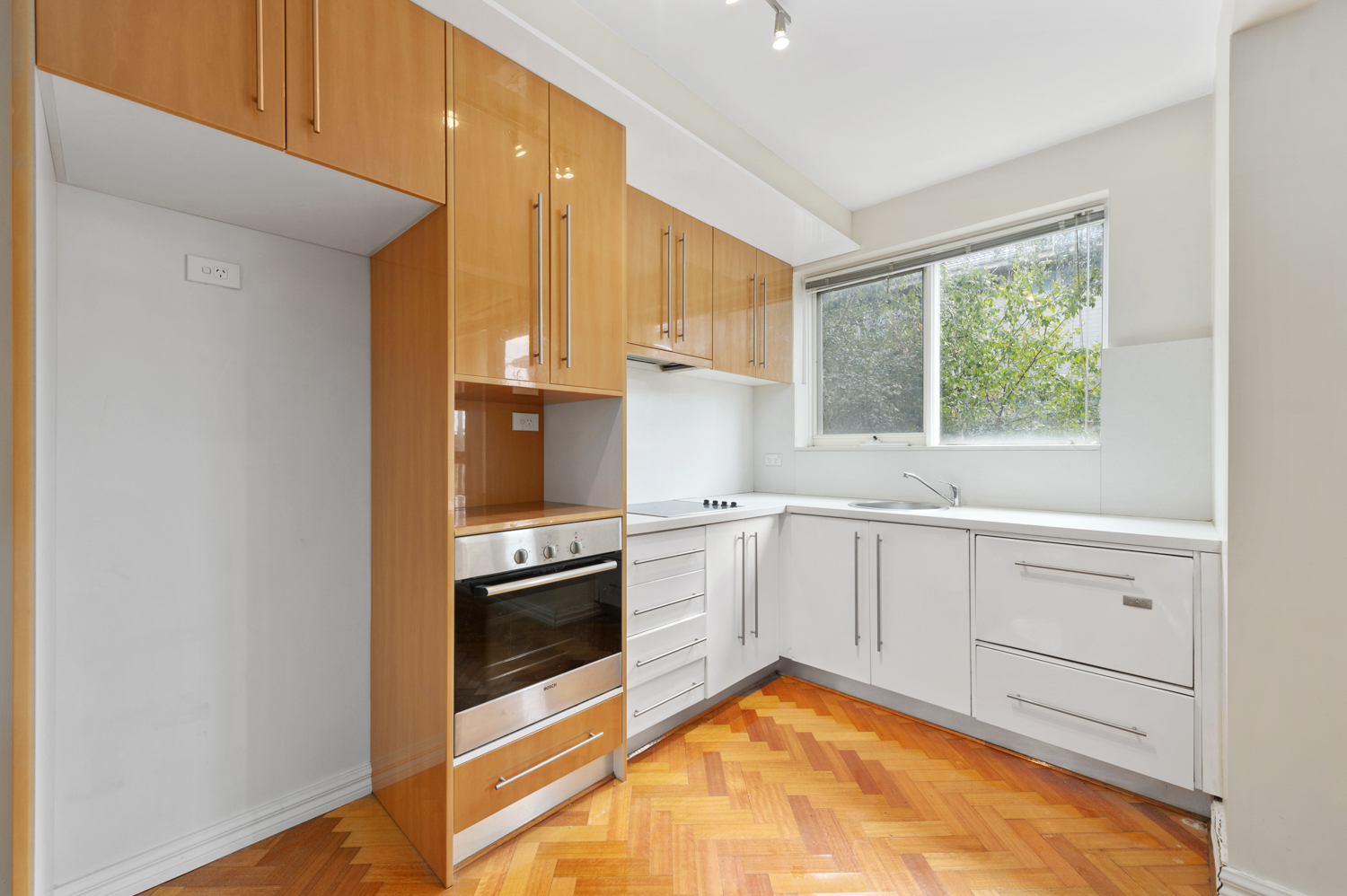 12-11-kooyong-road-armadale-student-accommodation-Melbourne-Kitchen-Unilodgers
