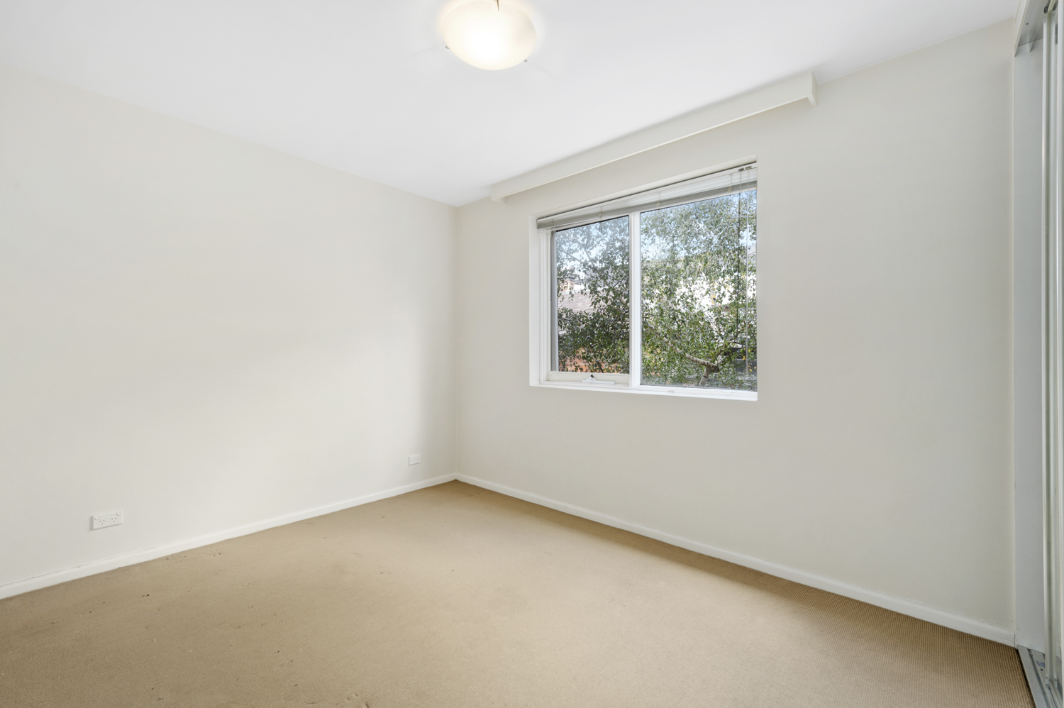 12-11-kooyong-road-armadale-student-accommodation-Melbourne-Bedroom-Unilodgers