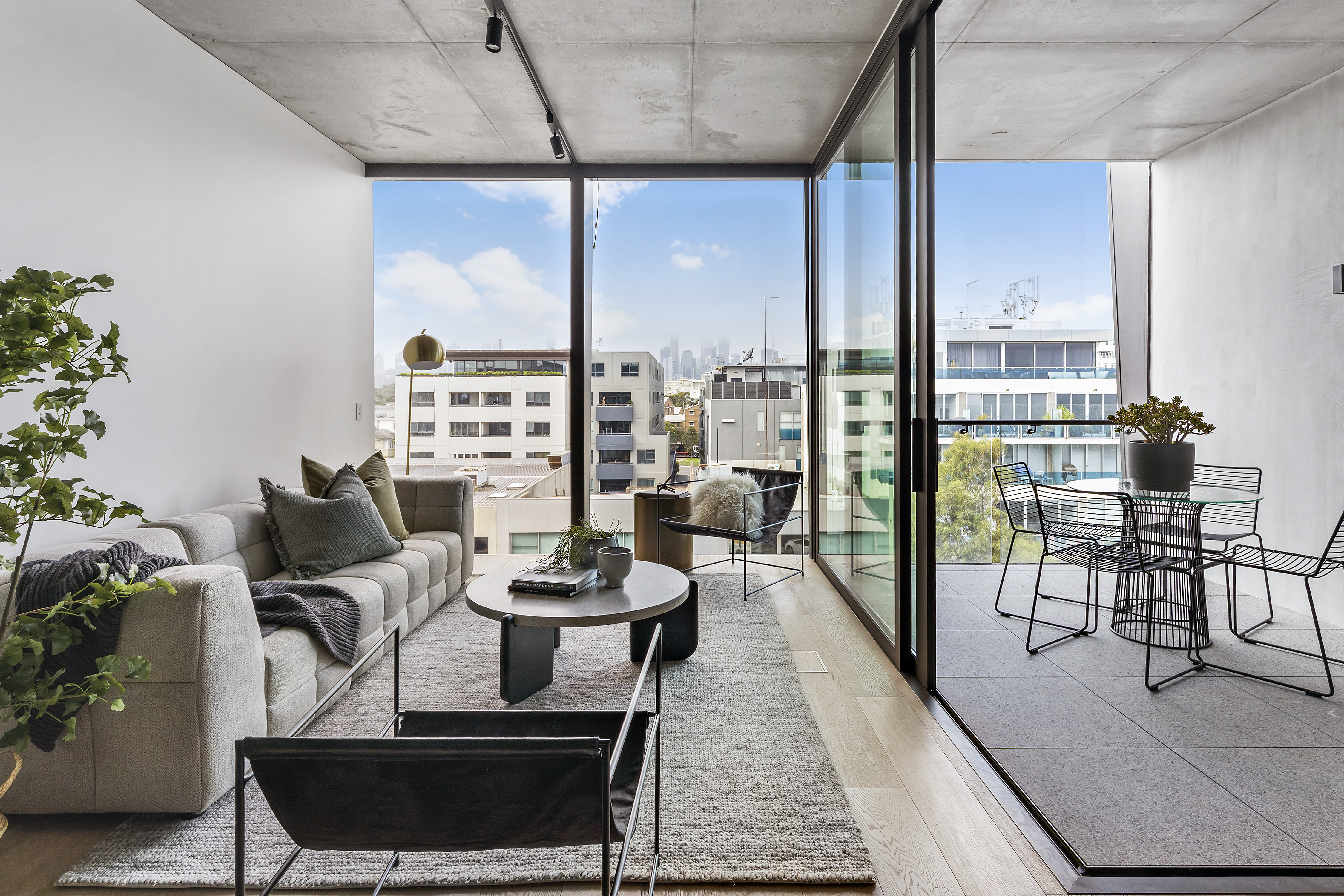 405-9-johnston-street-port-melbourne-student-accommodation-Melbourne-Living-Area-Unilodgers