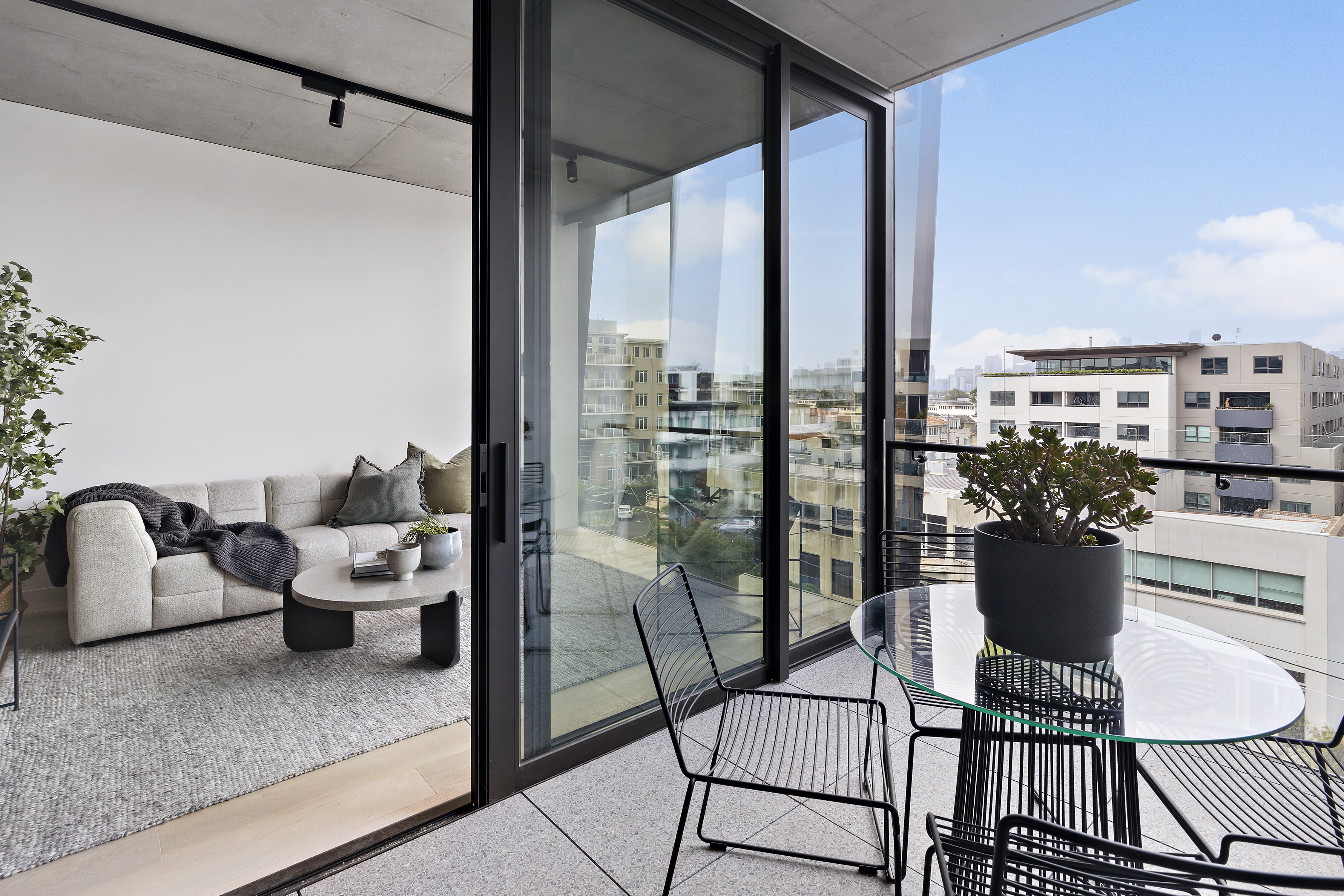 405-9-johnston-street-port-melbourne-student-accommodation-Melbourne-Balcony-Unilodgers
