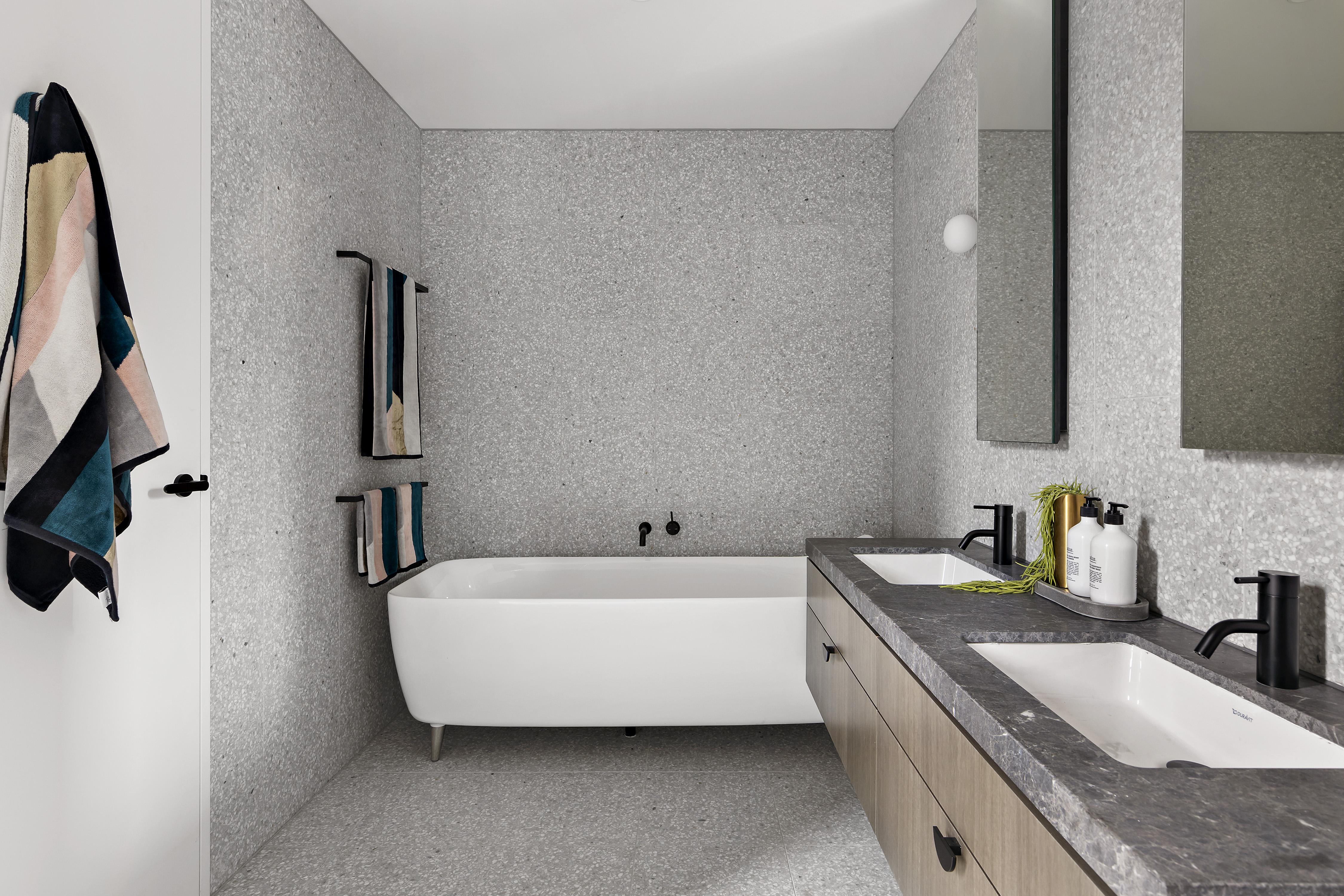 405-9-johnston-street-port-melbourne-student-accommodation-Melbourne-Bathroom-Unilodgers