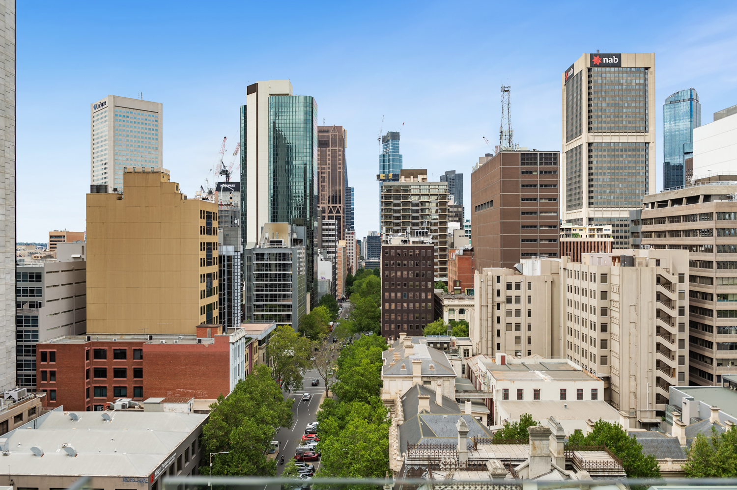 152-299-queen-street-melbourne-student-accommodation-Melbourne-Balcony-View-Unilodgers