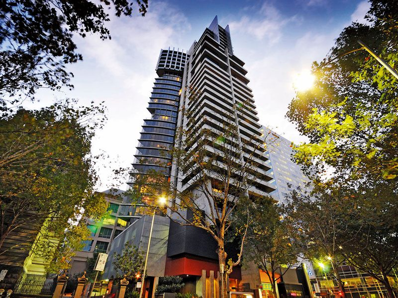 152-299-queen-street-melbourne-student-accommodation-Melbourne-Exterior-Unilodgers