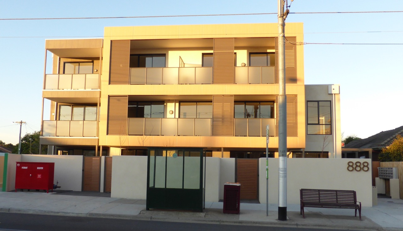 3-888-glen-huntly-road-caulfield-south-student-accommodation-Melbourne-Exterior-Unilodgers