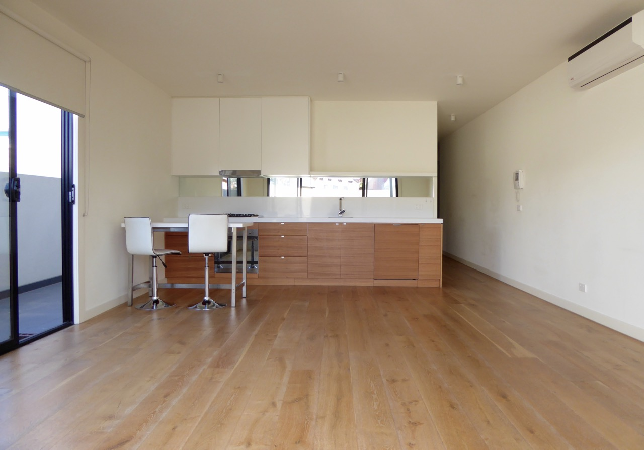 3-888-glen-huntly-road-caulfield-south-student-accommodation-Melbourne-Breakfast-Bar-Unilodgers