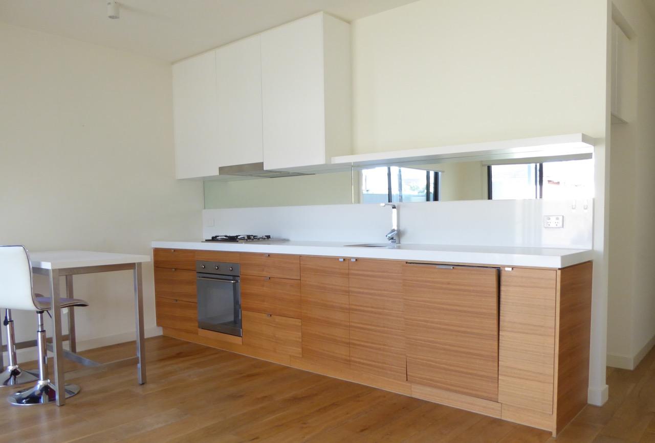 3-888-glen-huntly-road-caulfield-south-student-accommodation-Melbourne-Kitchen-Unilodgers