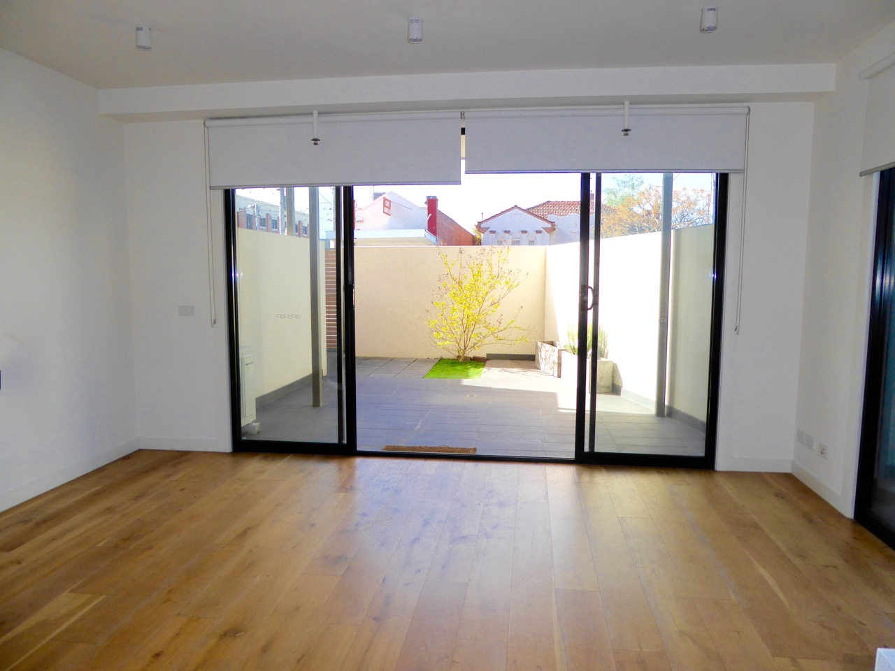 3-888-glen-huntly-road-caulfield-south-student-accommodation-Melbourne-Living-Area-Unilodgers