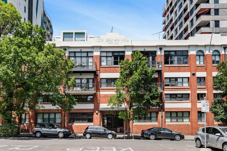 3-55-batman-street-west-melbourne-student-accommodation-Melbourne-Exterior-Unilodgers
