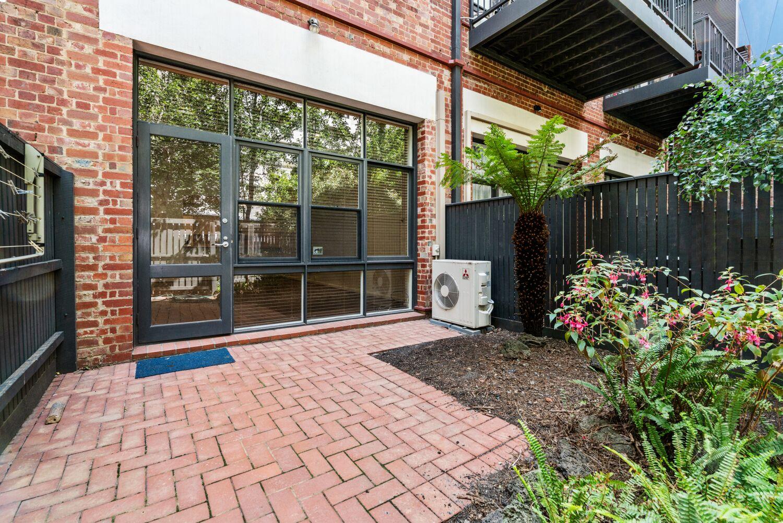 3-55-batman-street-west-melbourne-student-accommodation-Melbourne-Entrance-Unilodgers