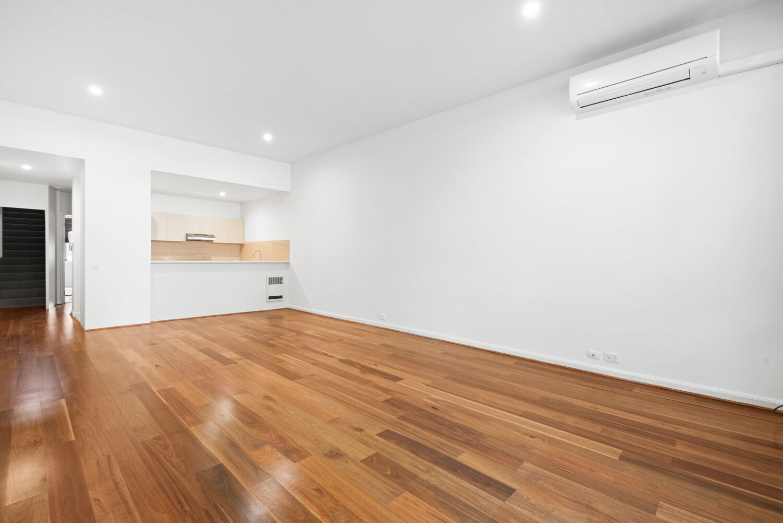 3-55-batman-street-west-melbourne-student-accommodation-Melbourne-Kitchen-Unilodgers
