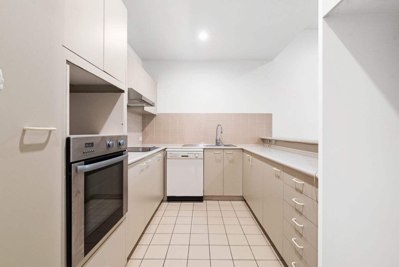 3-55-batman-street-west-melbourne-student-accommodation-Melbourne-Kitchen-2-Unilodgers