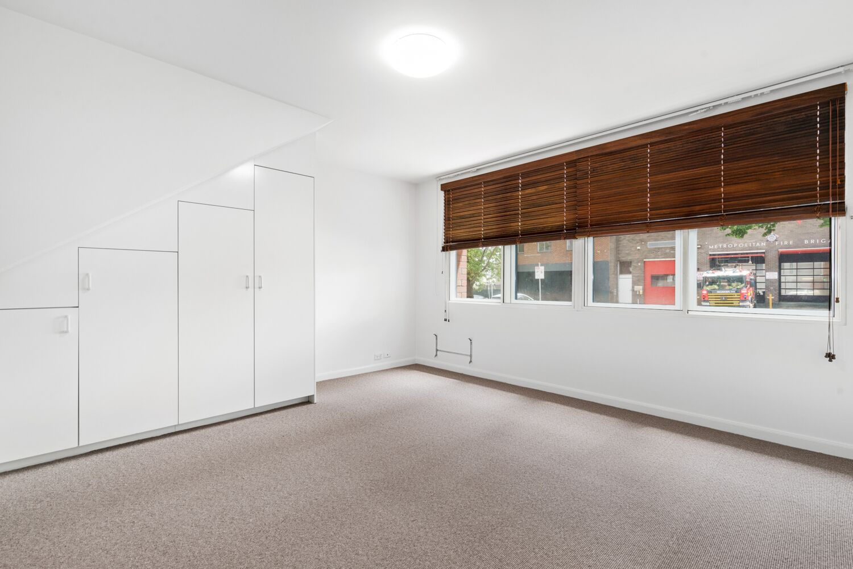 3-55-batman-street-west-melbourne-student-accommodation-Melbourne-Bedroom-Unilodgers