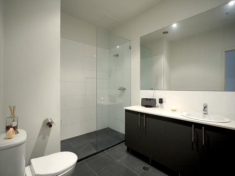 17-100-104-union-road-ascot-vale-student-accommodation-Melbourne-Bathroom-Unilodgers