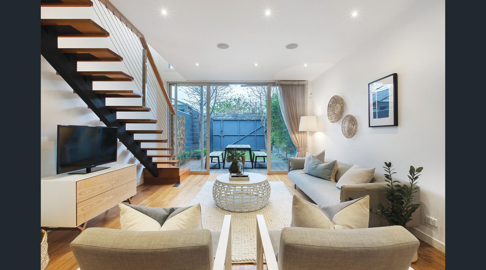 178-farrell-street-port-melbourne-student-accommodation-Melbourne-Living-Area-Unilodgers