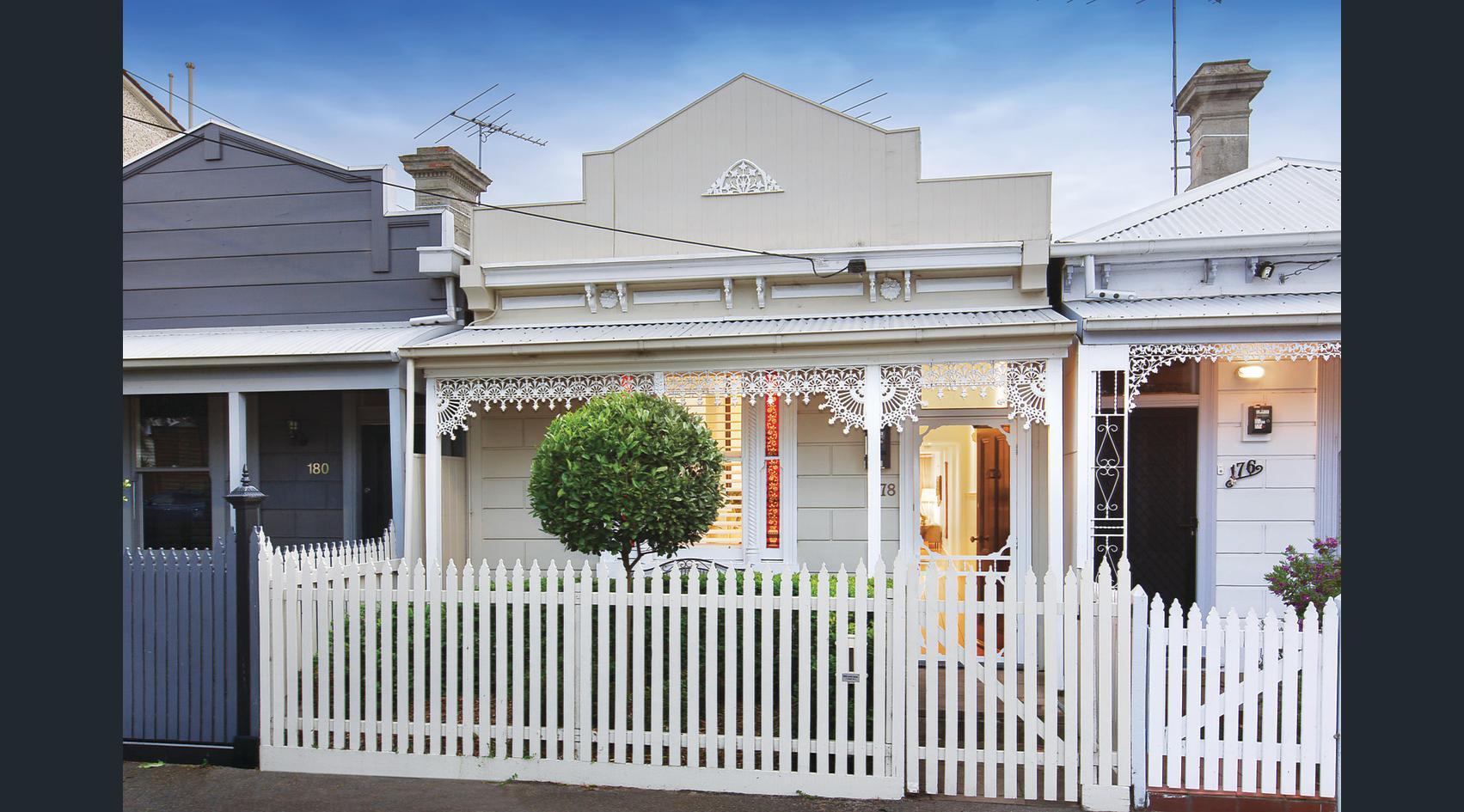 178-farrell-street-port-melbourne-student-accommodation-Melbourne-Exterior2-Unilodgers
