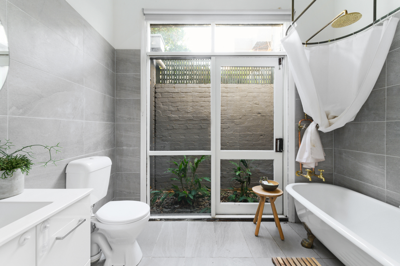 286-richardson-street-middle-park-student-accommodation-Melbourne-Bathroom-Unilodgers
