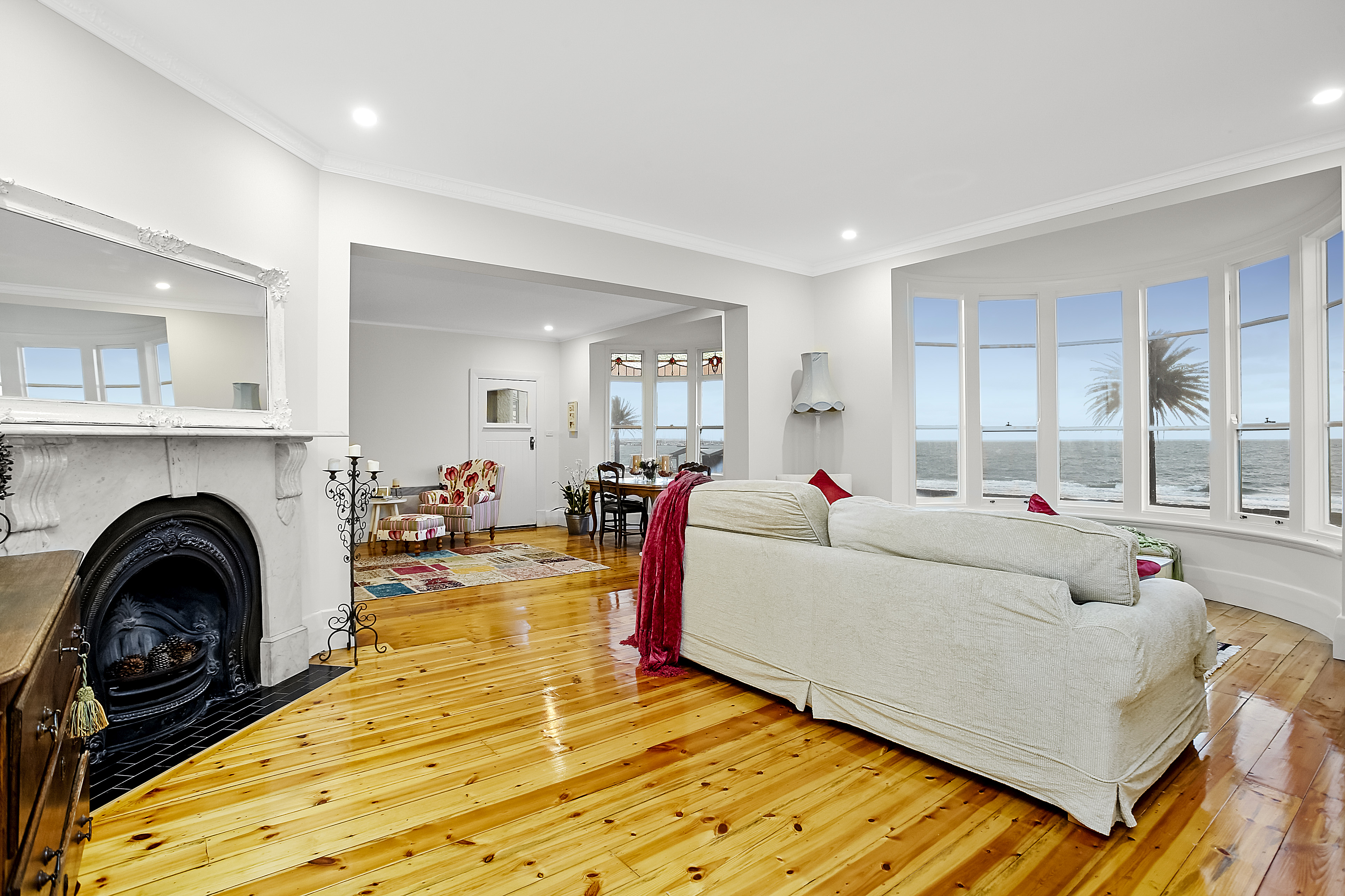 11-243-beaconsfield-parade-middle-park-student-accommodation-Melbourne-Living-Area2-Unilodgers