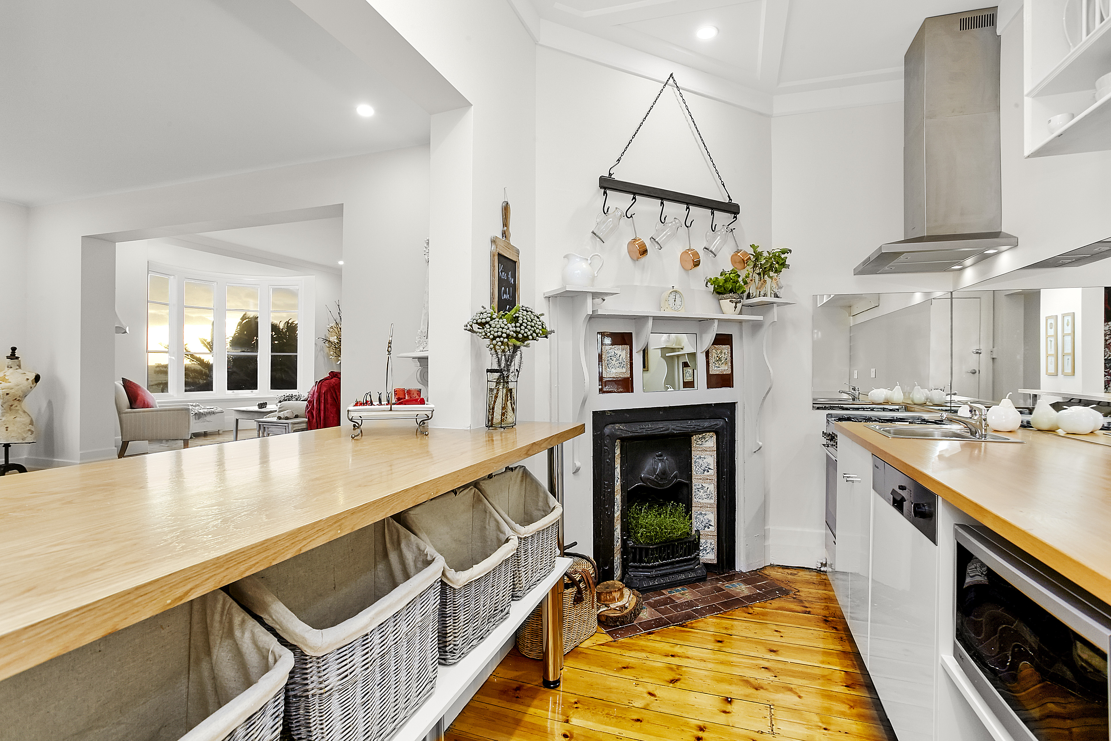 11-243-beaconsfield-parade-middle-park-student-accommodation-Melbourne-Kitchen-Area-Unilodgers