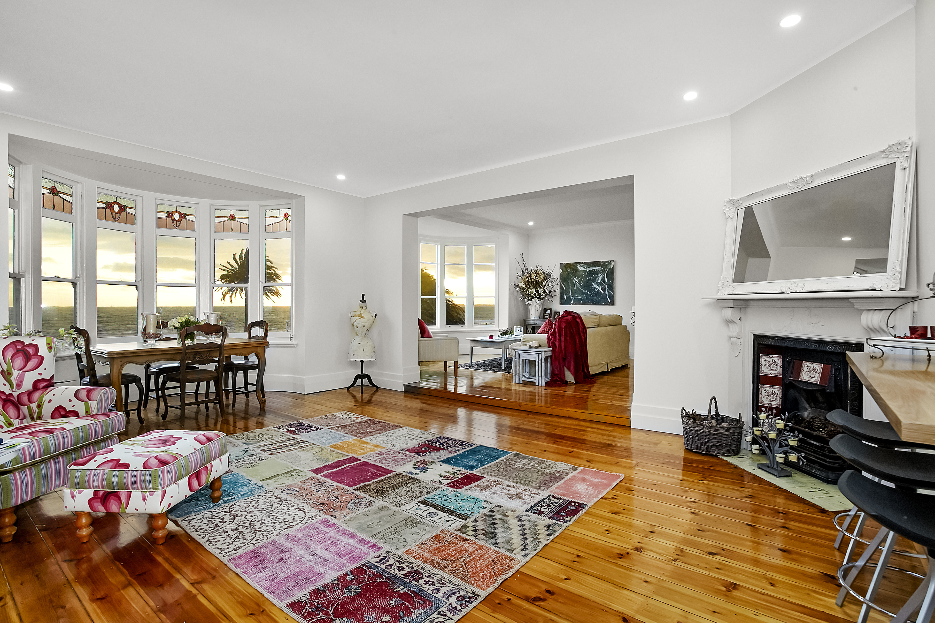11-243-beaconsfield-parade-middle-park-student-accommodation-Melbourne--Living-Area3-Unilodgers