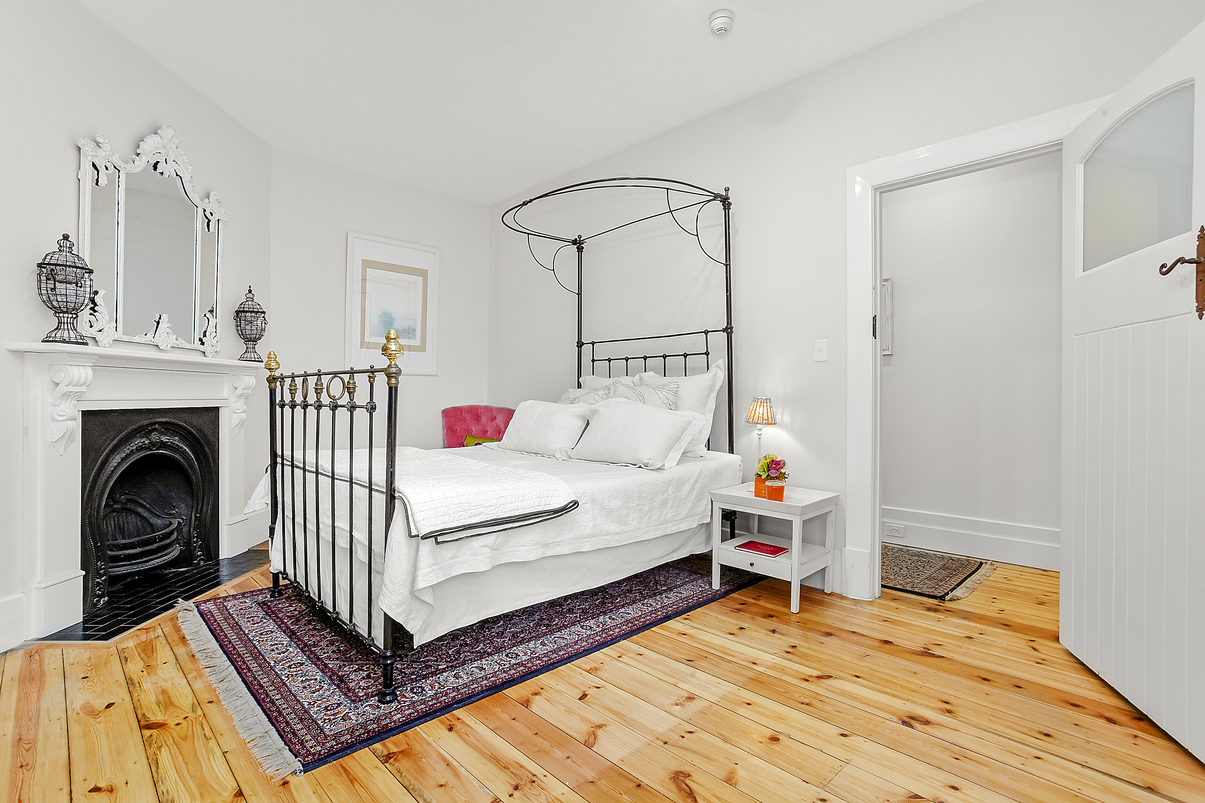 11-243-beaconsfield-parade-middle-park-student-accommodation-Melbourne-Bedroom-Unilodgers