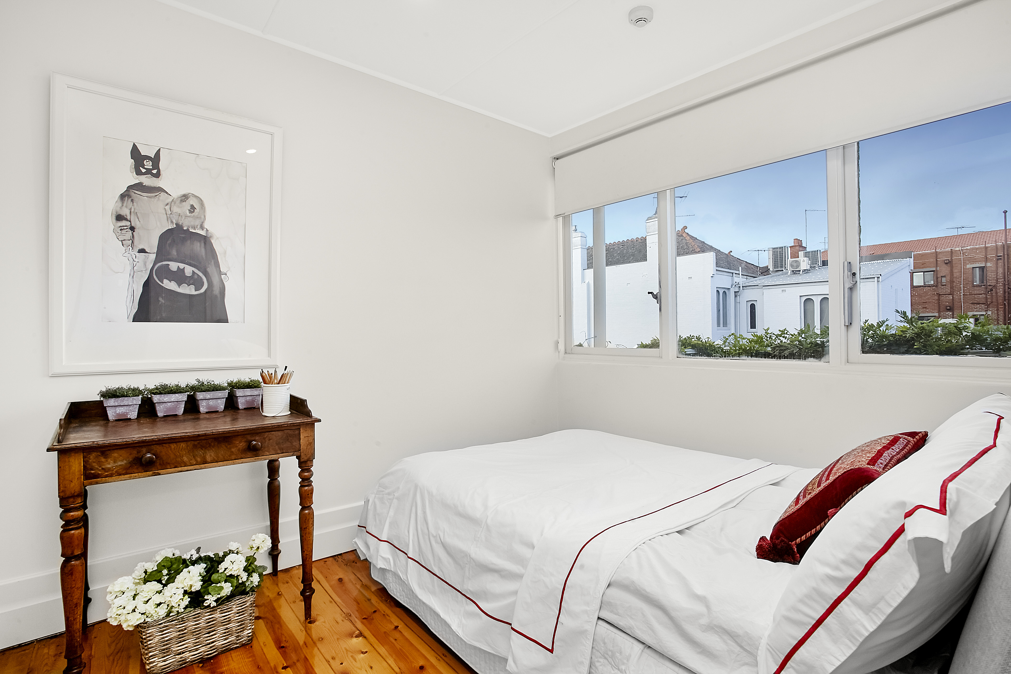11-243-beaconsfield-parade-middle-park-student-accommodation-Melbourne-Bedroom2-Unilodgers