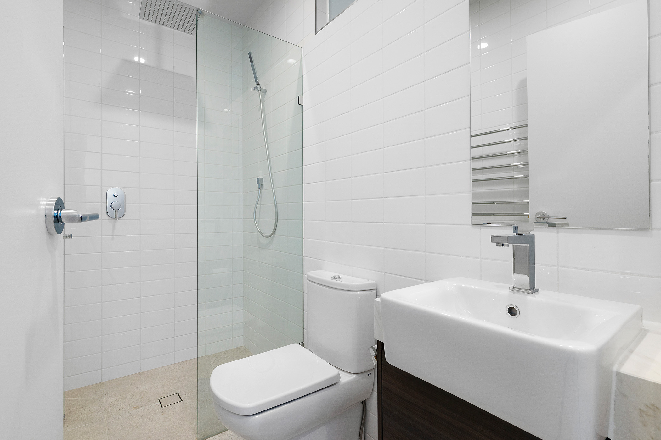 32a-palmerston-street-carlton-student-accommodation-Melbourne-Bathroom-Unilodgers