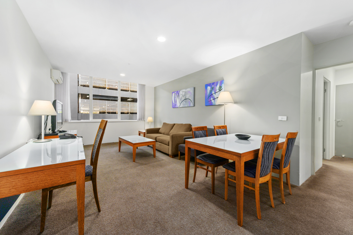 307-604-st-kilda-road-melbourne-student-accommodation-Melbourne-Living-area-Unilodgers