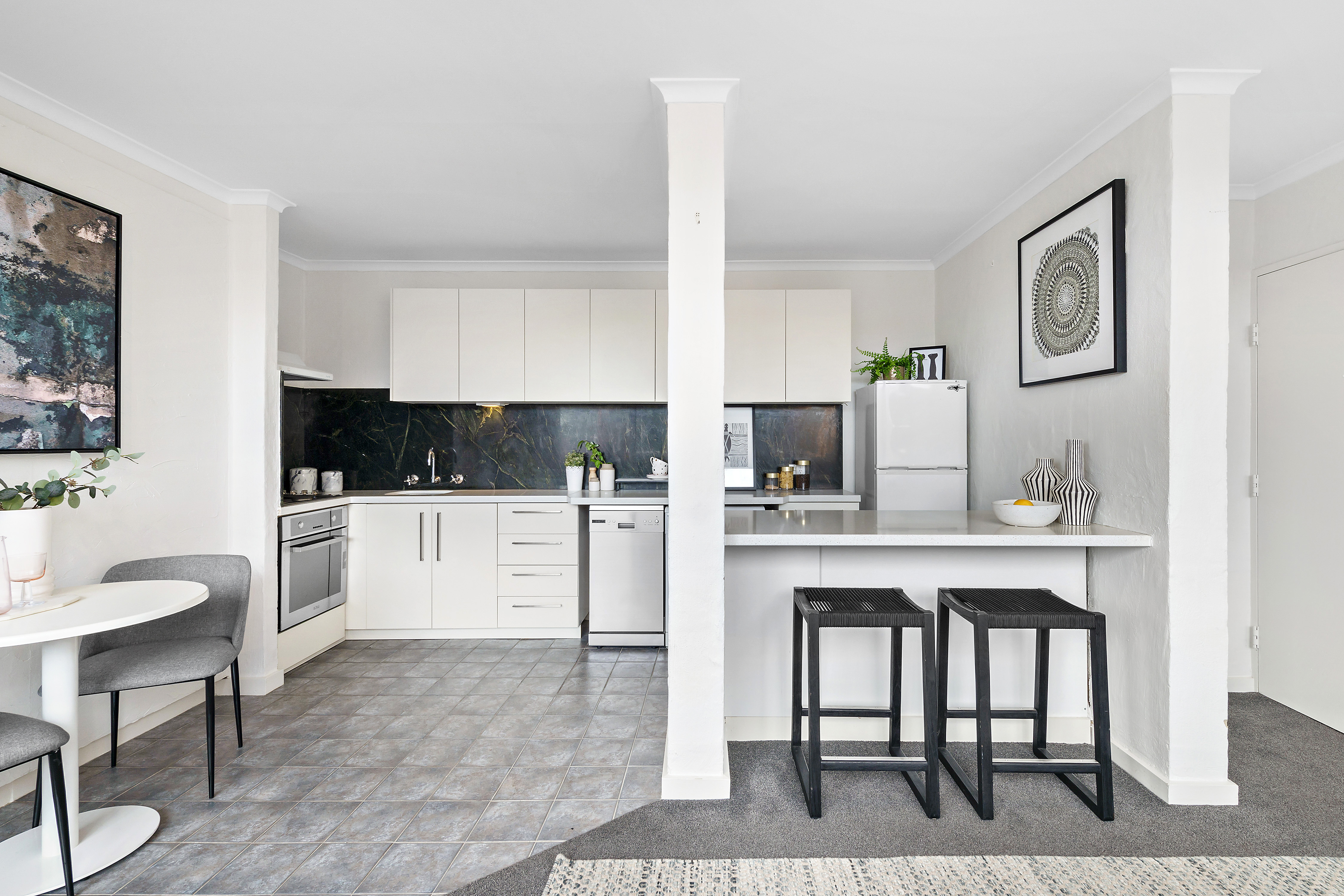 10-72-patterson-street-middle-park-student-accommodation-Melbourne-Living-Area2-Unilodgers