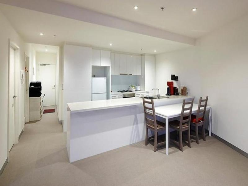 1803-283-city-road-southbank-student-accommodation-Melbourne-Kitchen-Unilodgers