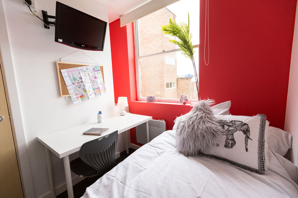 Mercia-Lodge-Coventry-Bedroom2-Unilodgers